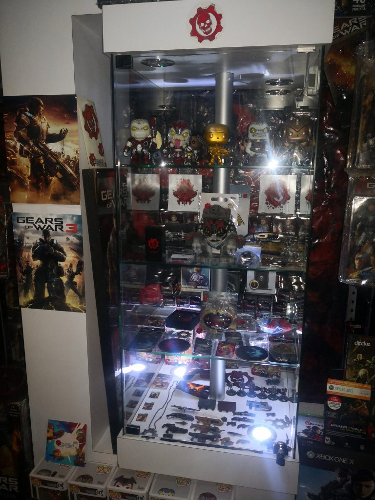 Twitter user Orvel showing off their Gears collection for #GearsGlory